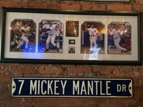 レストランLa Casa Del Mofongoに飾ってあるポートレート写真。メジャーリーグの選手が4人写っていて、一番左が松井秀喜選手