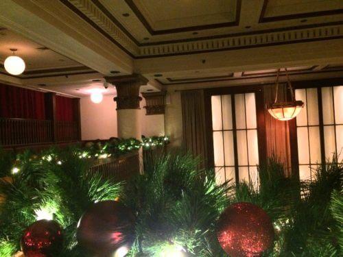 ニューヨークのベンジャミンステーキハウスの内装、クリスマスデコレーション