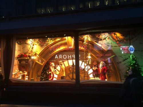 ニューヨークのメイシーズMacy'sの2018年クリスマスホリデーウィンドーの写真