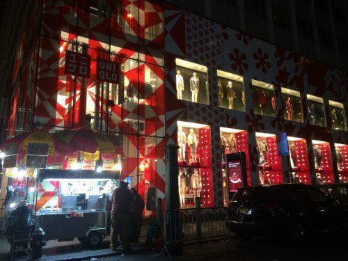 ニューヨーク5番街のユニクロのクリスマスデコレーション