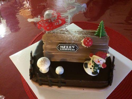 パリスバゲットのしょっぱいバタークリームのルドルフのチョコレートケーキ
